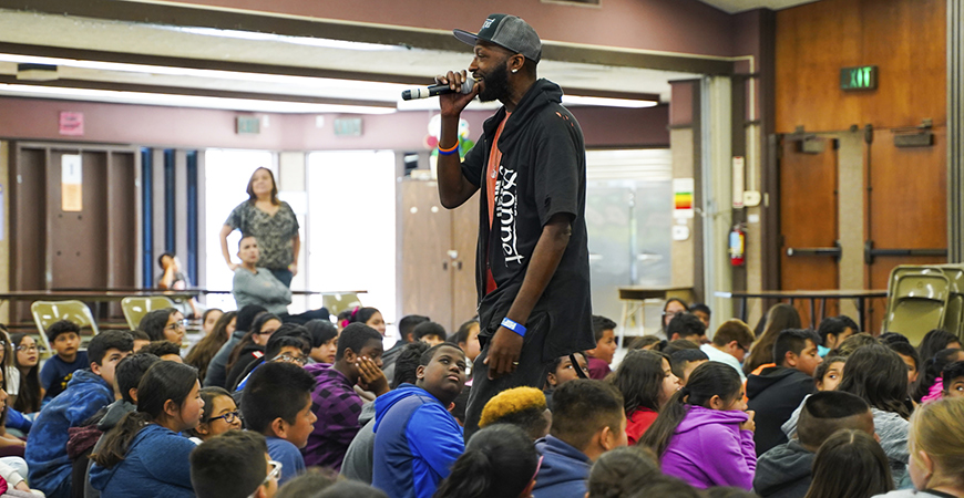 Shakespeare Rapper Schools Students with Hip Hop Sonnets